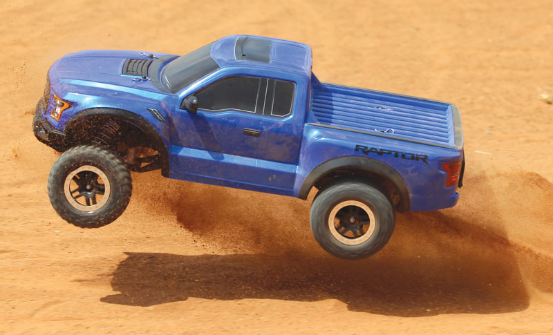 RC Review: TRAXXAS 2017 Ford F-150 Raptor - test drive